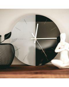 Lessie3 Clock