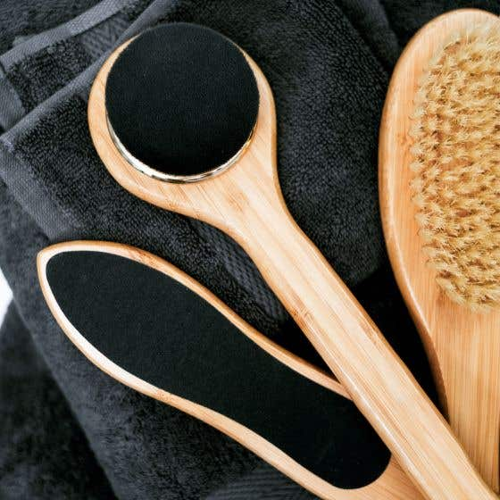 Luxurious Bamboo Charcoal Body Brush by Relaxus