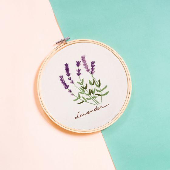 Trousse de broderie « Lavender » par Oriwest