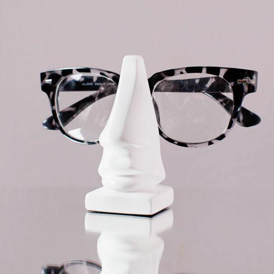 Leon Nose Eyeglass Holder